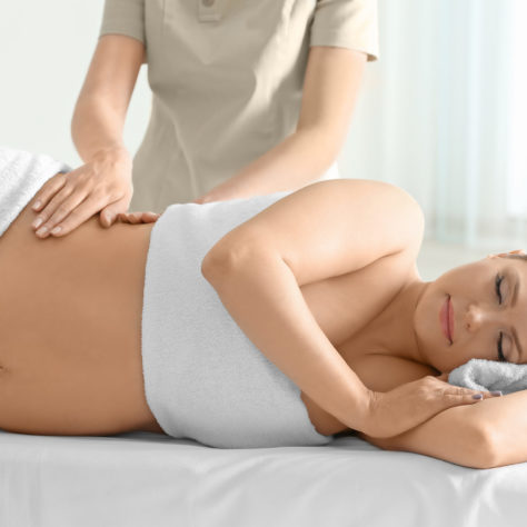 Geburtsvorbereitende Massage